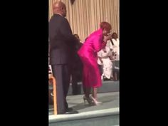 Dorinda Clark Cole and Karen Clark Sheard - Resurrection Sunday - YouTube