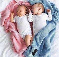 Cute Baby Twins, Boy Girl Twins, Cute Little Baby, Baby Kind, Little Babies, Baby Boy, Cute Baby Pictures, Baby Photos, Cute Babies Photography