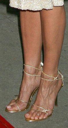 38 Jennifer Anniston Ideas Jennifer Anniston Jennifer Aniston Feet Jennifer Aniston