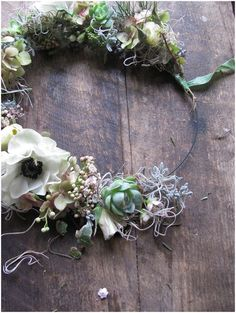 Using elements like spanish moss, succulents and air plants will also last for a long time and dry out beautifully.
