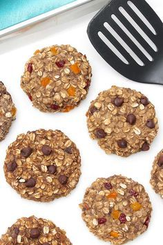 Eat Healthy Protein Cookies (with optional add-ins) – The Fountain Avenue Kitchen - When the clock ran out and the ref blew his whistle in Rachel Dawson's final Olympic game, she was at peace. After 12 years and three attempts at Olympic gold … Healthy Protein Snacks, Healthy Cookies, Protein Foods, Healthy Desserts, Healthy Drinks, Nutrition Drinks, Healthy Foods, Healthy Recipes, Healthy Food Options
