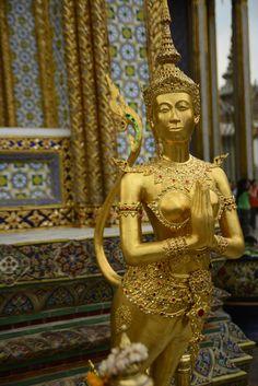 วัดพระศรีรัตนศาสดาราม (Temple of the Emerald Buddha) วัดพระแก้ว in พระนคร, กรุงเทพมหานคร