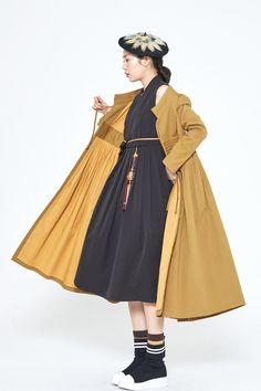 Japan Fashion, Pop Fashion, Fashion Outfits, Fashion Design, Modern Hanbok, Korean Dress, Mode Editorials, Fashion Books, Traditional Outfits