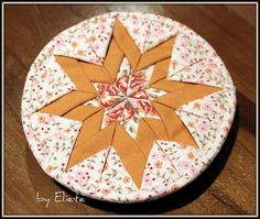 Mandalinha de tecido by Eliete *tudo.com.fuxicos*, via Flickr