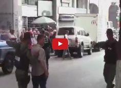 Colectivos Armados agreden a periodistas en el BCV  http://www.facebook.com/pages/p/584631925064466
