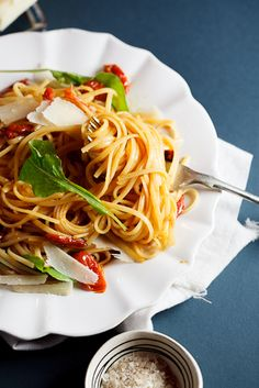 Roasted tomato & garlic linguini with rocket/arugula. #recipe #pasta #dinner