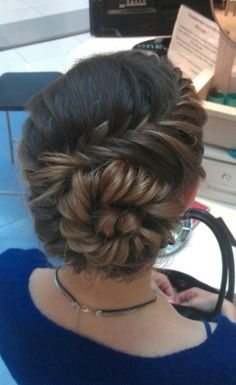 an amazing conch shell braid. Try an amazing conch shell braid. Up Hairstyles, Pretty Hairstyles, Wedding Hairstyles, Wedding Updo, Prom Updo, Hairstyle Ideas, Perfect Hairstyle, Teenage Hairstyles, Amazing Hairstyles