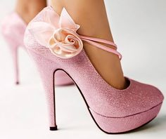 pink flower heels - I need to buy them :)