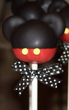 Mickey Mouse Cake Pops @Cassidy.  These will be our favors!!!