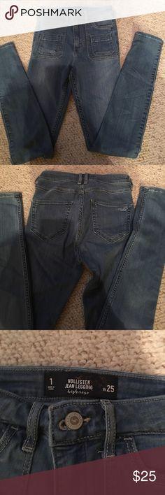 NWOT. Hollister Jean HighRise Legging NWOT. Hollister HighRise Jean Legging. Never worn or washed! Perfect condition!!! 🔥🔥 Hollister Jeans Skinny