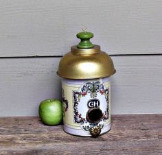 Tin Can Birdhouse, C&H Sugar Canister, Whimsical Birdhouse, Repurposed Can, Decorative Birdhouse, Outdoor Birdhouse, Recycled Materials