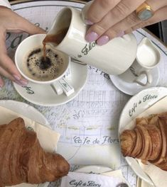 Oui Oui, Aesthetic Food, Aesthetic Collage, Me Time, Coffee Time, Coffee Break, Eat Cake, Cookies Et Biscuits, Parisian