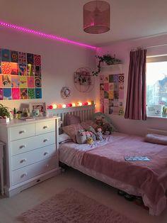 Room Design Bedroom, Room Ideas Bedroom, Home Decor Bedroom, Indie Room Decor, Teen Room Decor, Room Ideias, Pinterest Room Decor, Pretty Room, Aesthetic Room Decor