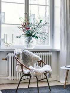 Windows Decor That Will Make Your Home Look Fabulous Living Room Decor, Living Spaces, Scandinavian Home, Interior Design Inspiration, Hygge, Home And Living, Interior Decorating, Sweet Home, Decoration