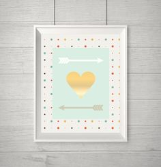 """Heart and Arrows Nursery Wall Decor"""" (BabyArt Z3):Image Size: 8x10 inchesFile Illustrator NOTE:This will not print as real glitter or METALLIC gold or silver. All of my files are made to print on any color printer without having to use a special printing process. The gold, silver or glitter are a high resolution images that are clipped into the text or design. But for a real Gold or Glitter Effect you should require a different technology than the standard ones we're used to (i.e. ink jet…"""
