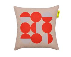 Wallabuy home - Love my home.  ' dotty' warm red and grey - on the sly