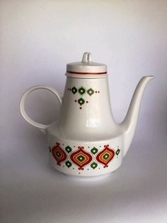 Vintage Porcelain Henneberg '1777' Porzellan Coffee Pot GDR - made in Germany 70s