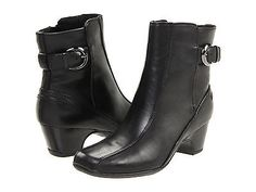 Clarks Womens 32467 Dara III Waterproof Leather Ankle Zip Boots [ Black ][9.5,Extra Wide (E+)]