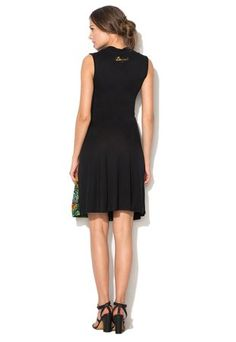 Čierne šaty s potlačou a korálkami Babylee