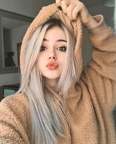 A beautiful person, Unlike me. - A beautiful person, Unlike me. Cute Baby Girl Pictures, Girl Photos, Girl Photo Poses, Girl Photography Poses, Fashion Photography, Pretty People, Beautiful People, Beautiful Person, Beautiful Pictures