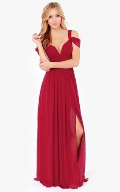 The long dress not only makes you very graceful and will make you very sexy, because this dress is a V-neck and backless. The color can be suitable for various