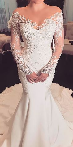 cool 48 Unique Long Sleeve Wedding Dress Ideas to Makes You Look Different http://lovellywedding.com/2017/11/26/48-unique-long-sleeve-wedding-dress-ideas-makes-look-different/