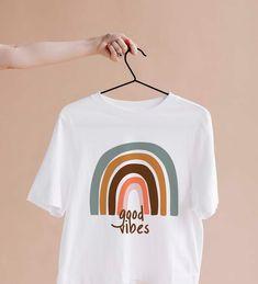 Rainbow T-shirt rainbow good vibes tshirt BOHO rainbow tshirt positive life shirt Rainbow graphic Tee Rainbow boho T-shirt Southwest t-shirt Graphic Shirts, Printed Shirts, Slogan Tshirt, T Shirt, Cute Shirt Designs, Shirt Print Design, Vinyl Shirts, Sorority Shirts, Mom Outfits