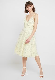 72bce1572a4a5e Nly by Nelly EMBRODERY STRAP DRESS - Cocktail dress   Party dress - light  yellow -