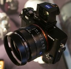 Photography Gear, Glamour Photography, Amazing Photography, Best Dslr, Best Camera, Sony Camera, Camera Gear, Professional Cameras, Video Production
