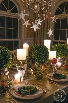 Holiday decorating ideas - Christmas Nights Tour - a candle and twinkle light Christmas tour!