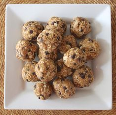 Healthy energy bites that taste just like peanut butter oatmeal cookie dough!