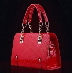 Dámská taška se vzorem lesklá červená - kabelky přes rameno + POŠTA ZDARMA