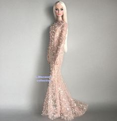 Image may contain: people standing Beautiful Barbie Dolls, Pretty Dolls, Barbie Gowns, Barbie Clothes, Fashion Sewing, Fashion Dolls, Evening Dresses, Prom Dresses, Barbie Skipper