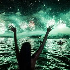 🎇🎊🎉Happy New Year 🌴👙🌴Feliz Ano Novo 🎉🎇🎊