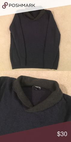 Men's pullover sweater Navy blue pull over with olive green collar.   80% Lambs Wool 20% Nylon.  Never worn  NWOT Anapo Sweaters V-Neck