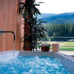 http://www.hotelpetrus.com  Wellness, Spa & Beauty in Südtirol. Wellnessurlaub im Hotel Petrus.