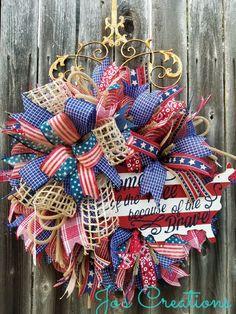 Patriotic Wreath, Patriotic Decorations, 4th Of July Wreath, Wreath Ideas, Diy Wreath, Americana Crafts, Deco Wreaths, Decor Ideas, Craft Ideas