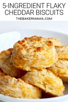 Just 5 ingredients and 15 minutes is all it takes to bake the flakiest, butteriest, cheddar biscuits you'll ever eat! #cheddarbiscuits #homemadebiscuits Flaky Biscuits, Cheddar Biscuits, Cheese Biscuits, Homemade Biscuits, Cheddar Cheese Biscuit Recipe, Tea Biscuits, Muffins, Baking Recipes, Bread Recipes