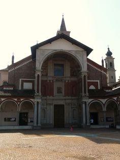 Fachada de Santa María de Abbiategrasso (1497). Milán.  Donato Bramante. Fachada a modo de arco de triunfo.