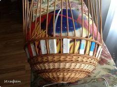 Поделка изделие Плетение МК с мячиком Бумага газетная Трубочки бумажные фото 9