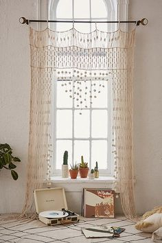 NO cortinas Crochet Portal Decor, Interior, Boho Curtains, Window Decor, House Styles, Home Decor, Bohemian Interior Design, Macrame Curtain, Interior Design