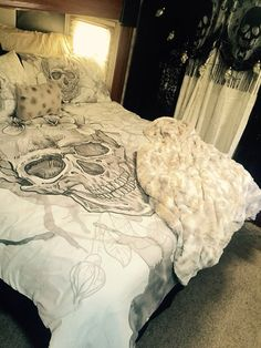 Skull bed set ink and rags