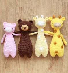 Giraffes and Bears are always there for each other. Crochet patterns by Little Bear Crochets: www.littlebearcrochets.com #littlebearcrochets #amigurumidoll