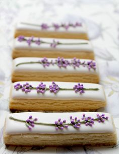 — Lavender shortbread cookies (✽)