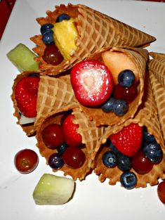 Edible fruit crafts are great for simple, yummy, healthy camping snacks. Fruit and a cone. YUM! They work well for a party or a fun afternoon snack.