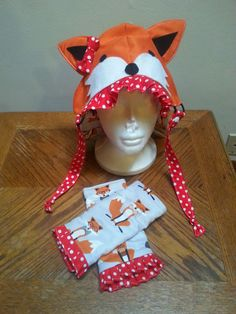 Spice up your Tula with this adorable Foxy set!    Message me if youd like to change any of the details, color of the ruffles can easily be changed