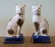 19TH Century VICTORIAN RARE Pair Of STAFFORDSHIRE CAT Figurines COBALT GOLD 7.5
