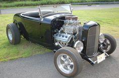 Hemi-Powered 1932 Ford Roadster Hot Rod