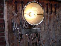 DIY lampe d'atelier Phare.   création d'une lampe d'atelier à partir d'une étente à linge, de pièces de rotatives offset et d'un phare ancien de Bentley  Customisation,Atelier,métal,lampe,industriel
