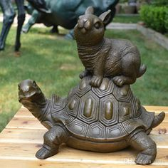 students makes sculpture together - Google Search Knight On Horse, Western Art, Western Style, Tortoise Turtle, Ceramic Animals, Ship Art, Animal Sculptures, Wildlife Art, Art Deco Fashion